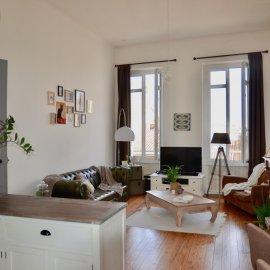 Appartement de charme rénové traversant, deuxième et dernier étage - 3 chambres - Bordeaux Tram D Barrière du Médoc