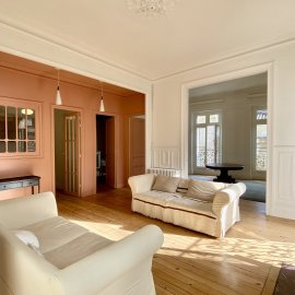 Bordeaux Pey Berland - Appartement d' angle rénové avec vue dégagée, 3 chambres, cave, prestations anciennes, parking en location