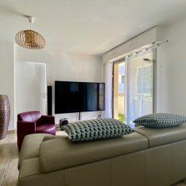 Appartement rénové, terrasse, parking, Bordeaux Caudéran Pins-Francs