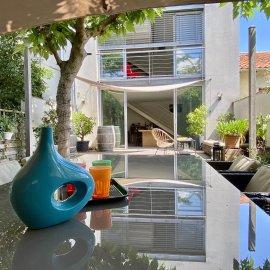 Bordeaux Maritime-Bacalan, Maison-Loft d'architecte en triplex avec terrasse et garage, 3 chambres, 1 bureau